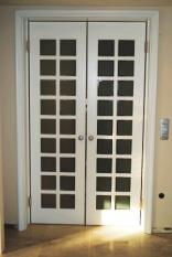 Nihajna vrata z okni